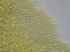 491- 3mm glazen rocailles licht geel met AB coating 15gram
