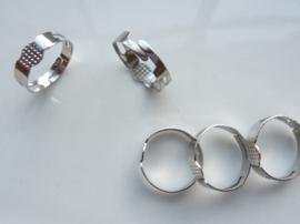 CH.145- 5 stuks verstelbare ringen met lijmplaatje van 5mm staalkleur- SUPERLAGE PRIJS!