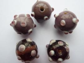 00031- 5 stuks ronde dots kralen van 15-17mm paars/lila/wit OPRUIMING