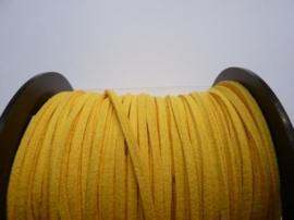 3 meter imitatie suede veter van 3mm breed donkergeel