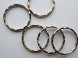 CH.244.5- 5 stuks luxe sleutelringen met ribbels van 25mm staalkleur - SUPERLAGE PRIJS!