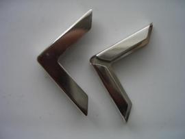 kart37- 2 x grote maphoekjes 30x30mm zilverkleur