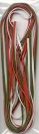 TH12231-3104- 3 imitatie suede veters van elk 2 meter lang en 3mm breed kerst tinten