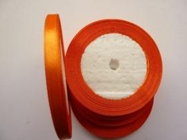 rol met 22.86 meter donker oranje satijnlint van 6mm breed