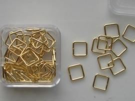 12093/9302- 50 x vierkante ringetjes 6mm goud