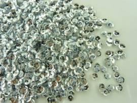 118372/651- 10gram (is grote hoeveelheid) facon pailletten van 4mm zilver
