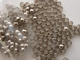 ca. 200 stuks knijpkralen van 3mm staalkleur