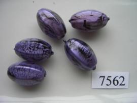 7562- 22x13mm paars/zwarte kunststofkraal