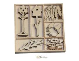 CE811500/0171- 55 stuks houten ornamentjes in een doosje vogels 10.5x10.5cm