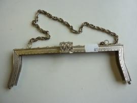 65- tasbeugel met ketting 28cm zilverkleur