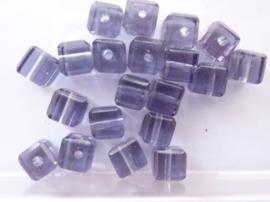 3961- 20 stuks glaskralen vierkant 6x6mm met geslepen randen lila/paars