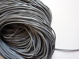 1 meter echt leren veter grijs van 2 mm. dik - AA kwaliteit - SUPERLAGE PRIJS!