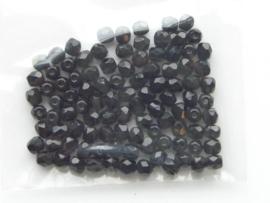 100 x geslepen glaskralen 4mm zwart 108004/0006KA