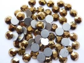 000641- ruim 50 kristalsteentjes SS30 6.4mm aurum gold - SUPERLAGE PRIJS!