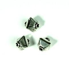 zware massieve metalen pyramide kraal 9mm 117465/0002
