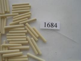 1684- 22mm glazen stiftjes ivoor opak 15 gr