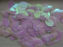 118372/405- 10gram (ca. 120 stuks) pailletten blaadjes 24x13mm wit met AB coating