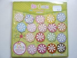 00533- 25 vellen origami papier 15x15cm diverse kleuren OPRUIMING