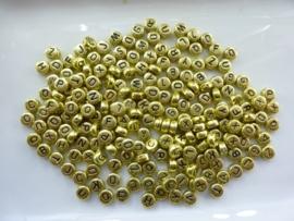 ca. 200 stuks gouden letterkralen  7x3.5mm  - SUPERLAGE PRIJS!