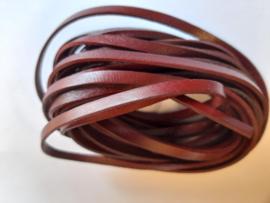 5 meter echt leren veter 5 mm. breed plat mahonie bruin/rood