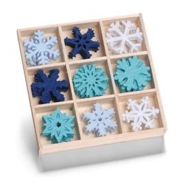 8001 205- 45 stuks vilten ijskristallen van ca. 3cm in houten doosje