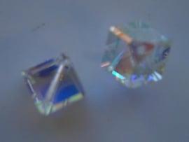 109328/0400 2 x swarovski cube 8x8mm