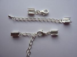 CH.125.2 -12mm karabijnerslotjes met verlengkettinkjes en kapjes zilver 2 stuks