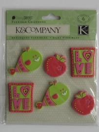 """5570- K&Co metal art berry sweet """"love"""" metalen hangers van ca.2.5cm"""