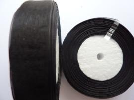 rol met 45.72 meter zwart organzalint van 20mm breed OPRUIMING