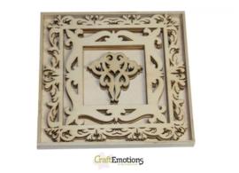 CE811500/0228- XL box met 15 stuks houten lijst ornamenten 16.8x16.8cm