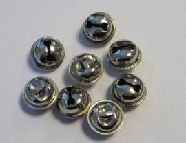 4303 - 8 stuks belletjes van 15 mm. staalkleur