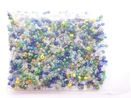 000686- 2mm glazen rocailles kleurenmix ca.15gram OPRUIMING