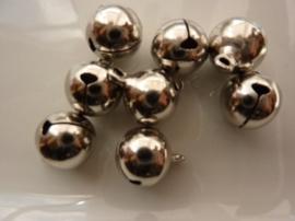 4204- 8 stuks kattebelletjes van 12mm staalkleur