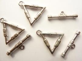 CH.9149- 3 stuks kapittelslotjes driehoek 20x22mm staalkleur - SUPERLAGE PRIJS!