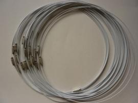 25 x draad colliers / staaldraad kettingen 45 cm met sluiting wit -SUPERLAGE PRIJS!