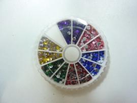 000446- assortimentsdoosje met 6 kleuren kunststof strass steentjes van 3mm