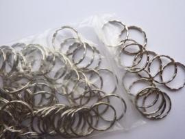 CH.244.100- 100 stuks luxe sleutelringen met ribbels van 25mm staalkleur - SUPERLAGE PRIJS!