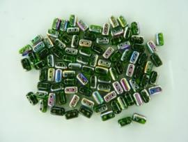 809- ca. 90 stuks glaskralen met 4 gaatjes 5x3mm groen/oliezwart