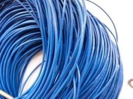 1 meter echt leren veter middenblauw van 2mm dik - AA kwaliteit - SUPERLAGE PRIJS!