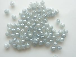 1553- ca. 96 stuks electroplated geslepen glaskralen van 3mm lichtgrijs met AB