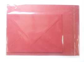 008214- 3 x A4 formaat kaarten gerild + 3 x enveloppen A5 formaat d.rood OPRUIMING -50%
