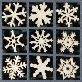 1852 1105- box met 45 stuks houten ornamentjes kerstfiguren 10.5x10.5cm