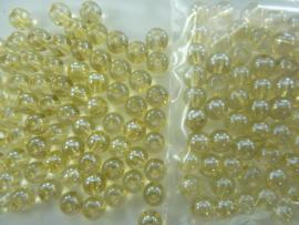 559 -  Ruim 70 stuks 6 mm. glaskralen goud/licht oker met AB coating