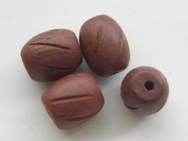 ingefreesde houten kraal 20x15mm rood/bruin 117465/4015KA