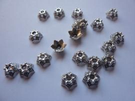 7mm zwaar metalen kralenkapjes 20 stuks oud zilverkleur -CH.188.20- SUPERLAGE PRIJS!