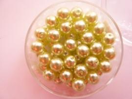 50 x ronde glasparels in een doosje 6mm licht olijfgroen - 2219 645