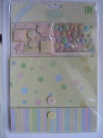 5325- K&Co mini book scrapkit sweet pea more than 220 pieces OPRUIMING