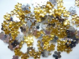 008022/0041- 120 stuks kunststof strass/spiegel bloemetjes van 12mm met gaatje goud/geel