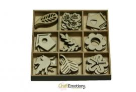 CE811500/0202- 45 stuks houten ornamentjes in een doosje tuin nr.1 10.5x10.5cm