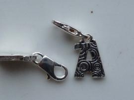 117467/1201- zwaar verzilverde metalen letter bedel A